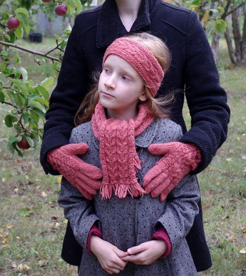 Koralinis rinkinys mergaitei šalikas uždangalas ausims pirštinės