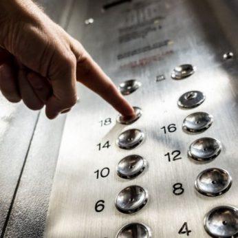 Daugiabučio lifte – inkščiantis radinys